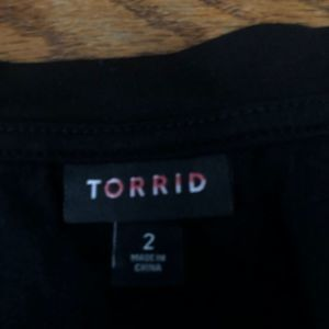 torrid Tops - Torrid black crop top t shirt
